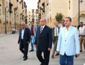محافظ القاهرة يتفقد روضة السيدة.. ويطالب سكانها بالحفاظ عليها