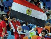 صور.. الجماهير المصرية تؤازر نسور نيجيريا أمام جنوب أفريقيا