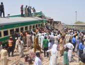 مصرع وإصابة 78 شخصا جراء تصادم قطارين فى باكستان