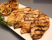 دراسة: استبدال اللحوم بالدجاج يقلل خطر إصابة المرأة بسرطان الثدى