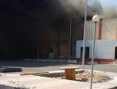 صور.. حريق هائل يلتهم المجزر الآلى بالشلاتين قبل تشغيله