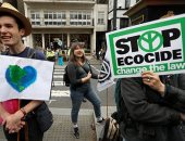 صور.. دعوات بريطانيا للعصيان المدنى احتجاجا على التغير المناخى