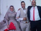 مدرب حراس الإنتاج الأسبق يحتفل بخطوبة ابنته