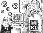 البحث عن المهاجرين غير الشرعيين فى نادى ترامب.. كاريكاتير USA Today
