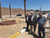 صور.. محافظ جنوب سيناء يتفقد تطوير شارع السلام بمنطقة المشاتل بشرم الشيخ