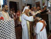 مطران أسيوط للكاثوليك يمنح الدرجة الإنجيلية لشماس تمهيدا لتعيينه قسا