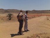 صور.. وفد من وزارة الرى يتفقد مخرات الحماية من مخاطر السيول بأسوان