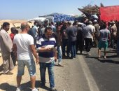 حادث تصادم سيارتين نقل على طريق مرسى علم بسبب أسباقية العبور ..صور