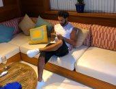 محمد صلاح ينشر صورة جديدة أثناء قضاء عطلته السنوية