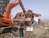 حملات إزالة بمصر الجديدة والمطرية والمرج لمبانى مخالفة