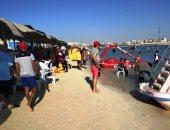 صور.. إقبال كبير على شواطئ مطروح وحمام كليوباترا عقب تطويره