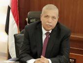 إحالة عاملين بجهاز القاهرة الجديدة للمحاكمة بسبب سقوط لوحة إعلانات على سيارة