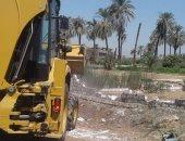صور.. حملات إزالة فى 3 مراكز بمحافظة سوهاج للتعديات على الأراضى الزراعية
