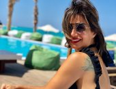 منة فضالى تشارك متابعيها بعدة صور على البحر