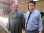 """صور.. قصة نجاح """"محمود"""" رفض العمل بالحكومة وافتتح مزرعة للمواشى بسوهاج"""