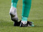 الجزائر ضد السنغال.. مانى يفقد حذائه بعد تسديدة قوية على مرمى الأخضر