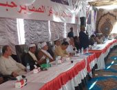 أمن الجيزة يشرف على جلسة صلح بين 3 عائلات بعد مقتل طالب فى الصف