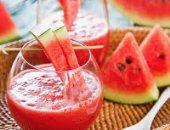 6 خطوات بسيطة لتجنب ضربات الشمس والإجهاد الحرارى.. تناول الماء والبطيخ