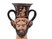 دار بونهامز تحجب وعاء شرب يونانى قديم لحصولها عليه بطريقه غير قانونية