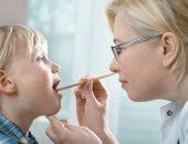 نصائح للتعامل مع الطفل بعد عملية استئصال اللوزتين