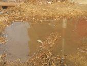 صور.. مواطن بالدقهلية يشتكى: الصرف الصحى يهدد منزلى بالانهيار