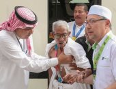 صور.. معمر ماليزى تخطى عمره الـ100 عام يحرص على أداء فريضة الحج
