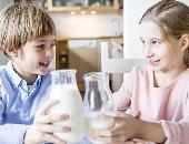 """""""قبل شراء الألبان"""".. كيف تختار الأفضل؟.. عضو بـ""""البيطريين"""": اللبن الجاموسى الأعلى فى الفوائد الغذائية و""""المجفف"""" يفتقد المواد اللازمة لتقوية المناعة.. والمذاق المُر دليل نمو البكتيريا والتكتلات أبرز علامات الغش"""