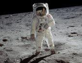 فيديو نادر لرواد فضاء أبولو أثناء وضعهم بالحجر الصحى بعد الهبوط من القمر