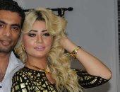 وصول شادى محمد لحضور جلسة محاكمة زوجته بتهمة سرقة شقته