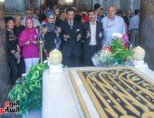 مواطنون يحيون ذكرى ثورة 23 يوليو بزيارة ضريح الزعيم الراحل جمال عبد الناصر