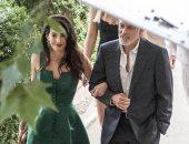 أمل كلونى تتألق باللون الأخضر  فى لقطات رومانسية مع جورج كلونى.. صور