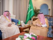 الأمير فيصل بن نواف يطلع على توسعة مطار السعودية الجديد