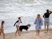 العائلة المالكة الدنماركية تقضى وقتا ممتعا على شاطئ.. صور