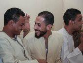 """أحمد يشارك بصور أصحابه الأنتيم.. ويؤكد: """"أرجل ناس وقفت جنبى"""""""
