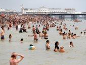 درجة الحرارة تصل لـ37 فى بريطانيا لأول مرة وسط موجه من الحر الشديد