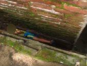 شاهد.. إنقاذ طفل صينى عالق بين جدارين