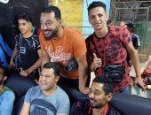 """""""محمد عصام"""" يشارك بصورة مع صحابه الأنتيم.. ويعلق: """" اصدقاء الطفولة"""""""