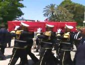 شاهد.. كيف عبر التونسيون عن حزنهم برحيل السبسي