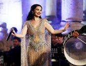 ديانا كرزون تغنى وترقص فى مهرجان جرش.. والجمهور : بنحبك يا عروس الأردن (فيديو)