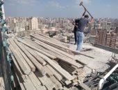 صور .. إيقاف بناء 3 عقارات مخالفة والتحفظ على مواد البناء وسط الإسكندرية