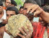 """وقع عليهم من السماء.. سقوط نيزك بحجم كرة قدم على قرية هندية """"صور"""""""