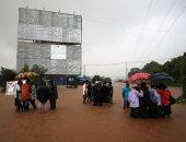 إنقاذ مئات الركاب من قطار أغرقته الفيضانات فى الهند