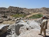 محافظ أسوان يرصد حالات التعدى على أراضى الدولة بمنطقة المسلة الناقصة.. صور