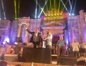 فيديو.. تكريم ماجد المصرى فى ختام مهرجان جرش ضمن فعالياته السينمائية