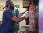 """صور.. الأكل مجانا فى أول يوم بمشروع """"شارع 306"""" بمساكن شيراتون"""