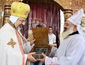 صور.. الأنبا إبراهيم إسحق يدشن كنيسة كاثوليكية بالمنيا بحضور سفير الفاتيكان