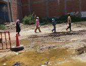 """رئيس حى ثان المحلة يتابع حل مشكلة طفح مياه الصرف الصحى بمنطقة"""" الوزارية"""""""