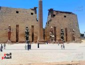 مدير معبد الأقصر : المصريين يتفوقون على الأجانب فى زيارتهم للمعبد فى العيد