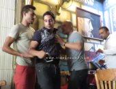 """تجربة صحفية مثيرة فى أحد مقاهى مصر.. اهتمام إعلامى بفيديو """"اليوم السابع"""""""