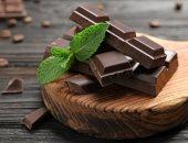 الشيكولاتة الداكنة تنتج شعورًا بالنشوة يشبه الحشيش